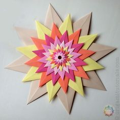 Guide to the unique modular Origami Venetian Star (Stella Veneziana), designed by Paolo Bascetta. Made from layers of single stars. Origami Star Box, Origami Ball, Origami Fish, Diy Origami, Origami Paper, Origami Folding, Oragami, Origami Instructions, Origami Tutorial