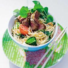 Recept - Thaise noedels met waterkers en gemarineerde bief - Allerhande