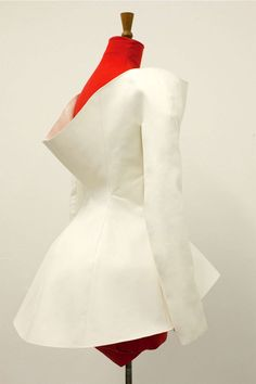 Central Saint Martins / Postgraduate: Innovative Pattern Cutting for Graduates and Professionals