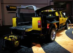 DeWalt - Decked out Truck. He most definitely needs a truck like this Cool Trucks, Big Trucks, Cool Cars, Truck Bed, Tow Truck, Accessoires 4x4, New Pickup Trucks, Work Trailer, Nissan