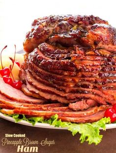 Slow Cooked Pineapple Brown Sugar Glazed Ham … - recipes for dinner easy Ham Brown Sugar Pineapple, Cooked Pineapple, Ham Glaze Brown Sugar, Pineapple Ham Glaze, Best Baked Ham Recipe, Holiday Ham, Holiday Recipes, Christmas Potluck, Christmas Recipes