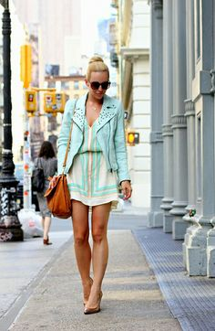 Fashion blogger and stylist @Elena Kovyrzina Kovyrzina Navarro Glazer looking city summer perfect-o as usual!