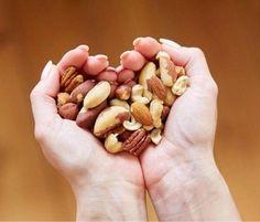 ナッツを定期的に食べる人は寿命がのびる