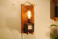 Night lamp with electric meter industrial lamp industrial Unique Table Lamps, Night Lamps, Woodworking Ideas, Metal Art, Candle Sconces, Industrial Style, Jute, Light Bulb, Wall Lights
