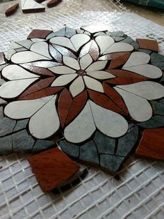 Mosaic Crafts, Mosaic Projects, Mosaic Art, Mosaic Glass, Mosaic Tiles, Stained Glass, Art Projects, Vitromosaico Ideas, Free Mosaic Patterns