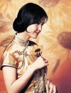 CHINESE ACTRESSES IN QIPAO / CHEONGSAM Vol.3 – YannyExpress. Hong King Actress/Singer Vivian Chow