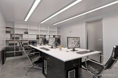 black & white: office for 5 people