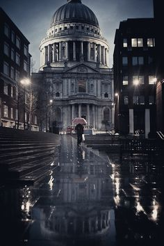St. Paul's Cathedral under the rain.