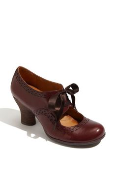 Free shipping and returns on Naya 'Jada' Pump at Nordstrom.com. Brogue detailing outlines an oxford-inspired pump fashioned with a cutout vamp. Satin laces provide a feminine finish.