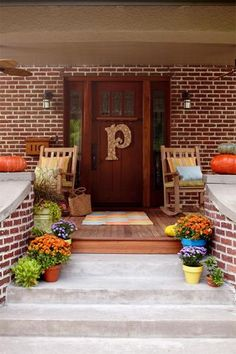 12 cozy porches decked out for fall | Living the Country Life | http://www.livingthecountrylife.com/homes-acreages/country-homes/12-cozy-porches-decked-out-fall/