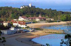 Playa de Los Peligros, playa de La Magdalena y palacio de La Magdalena, Santander, Cantabria. Spain.