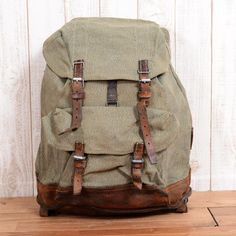 swiss army backpack 1950's Swiss Army Backpack, Army Rucksack, Briefcase, Vintage Leather Backpack, Leather Bag, Sparkle Outfit, Military Trends, Vintage Backpacks, Black Strappy Heels
