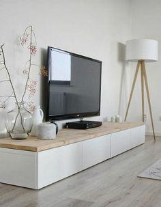 Mooi TV Meubel onvindbaar? IKEA Besta kastjes met steigerhouten plank er op! Apparatuur en draden mooi weggewerkt! En klaar is kees!