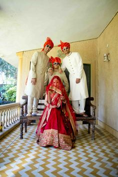 indian wedding Fun photos of Indian bride with her brothers in sunglasses Bridal Poses, Pre Wedding Photoshoot, Bridal Shoot, Wedding Poses, Wedding Shoot, Wedding Ideas, Wedding Stills, Wedding Fun, Photoshoot Ideas