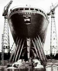 """29 octobre 1932 Lancement du paquebot """"Normandie"""" à Saint-Nazaire"""