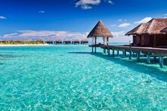 Qualquer viajante deseja conhecer paraísos de águas cristalinas. Sabendo disso, listamos 15 lugares ao redor do mundo que são realmente o paraíso!