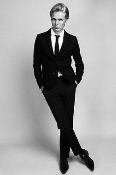 【世界のイケメン12】ホワイトブロンドの王子系男性モデルタイト・ゲイジャー【王子様系】 - NAVER まとめ