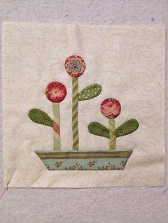 Happy Appliquer: Stonefields quilt has begun
