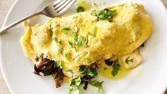 Check out this recipe! Best Omelette, Cheese Omelette, Omelette Recipe, Breakfast Menu, Breakfast Recipes, Brie, Fun Cooking, Cooking Recipes, Mushroom Omelette