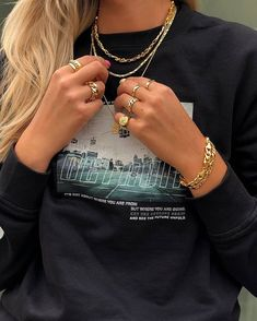 Chunky Golden Look ✨ Cute Jewelry, Jewelry Accessories, Jewlery, Style Urban, Bling, Accesorios Casual, Mode Inspiration, Fashion Outfits, Womens Fashion