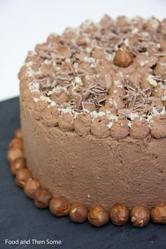 #Suklaa #kakku / #Chocolate #Nut #Cake