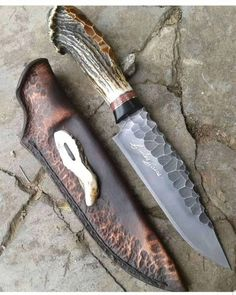 Handmade Bowie Knife With Real Deer Antler – katana Cool Knives, Knives And Tools, Knives And Swords, Katana, Bowie Messer, Handmade Knives, Knife Sharpening, Custom Knives, Survival Knife