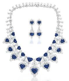 Set de gargantilla y zarcillos de diamantes y zafiros azules