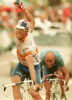 roadworksbicyclerepairs: 3mv3: Miguel @ Marco Indurain stoked to outsprint Pantani for 2nd place at the 1995 Worlds in Duitama, Colombia.... Visit us @ http://www.wocycling.com/ for the best online cycling store.
