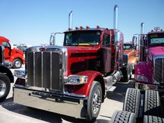 """Peterbilt 389 The 389 replaced the 379-127"""""""