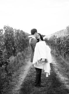 Bedell Cellars Wedding by, Lindsay Madden Photography | Dress by, Nicole Miller