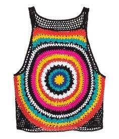 Sieh's dir an! Kurzes Häkeltop aus weicher Baumwolle mit schmalen Trägern und einfarbigem Rückenteil. – Unter hm.com gibt's noch viel mehr.