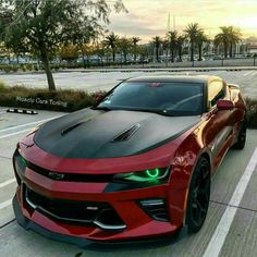 Mean looking modern Camaro. #American #MuscleCar