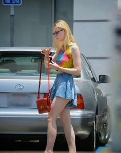 Collection of candid shots of Elle Fanning highlighting her incredible sense of style Ellie Fanning, Fanning Sisters, Dakota And Elle Fanning, Elle Fashion, Teen Fashion, Cara Delevingne, Girl Outfits, Cute Outfits, Models