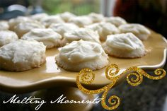 melting moments - I forgot about these, but I totally should make them for Christmas. Especially with that lemon frosting... yum.