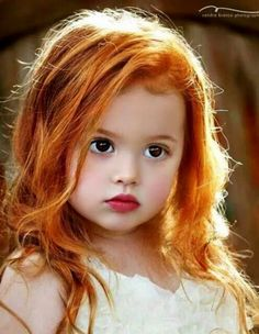 Lovely child I Love The Color of Her RED HAIR. < red hair + redhead + ginger + Elizabeth-Anne when she was younger Precious Children, Beautiful Children, Beautiful Babies, Children Toys, Beautiful Eyes, Beautiful People, Beautiful Redhead, Belleza Natural, Belle Photo