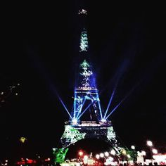 Last night in green with #OneHeartOneTree !!! #ParisMaVille #TourEiffel #Cop21 #DeveloppementDurable #Green #SaveMotherNature #StopGlobalWarming #ParisDebout #GoCop21 #organic #ParisJeTaime #weekend #LastNight #Decembre #Paris #Cities4Climate #EiffelTower #GreenIsGood $InspireYourFuture by bitchyboys Eiffel_Tower #France