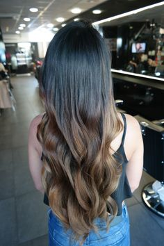 #haarvisie #haarvisierijswijk #balayage #brunette #natural #longhair #waves #olaplex #haircolor #hairstyle #hairstyles2017 Top Stylist, Balayage Brunette, Brunettes, Latest Fashion Trends, Bond, Hair Care, Stylists, Hairstyle, Long Hair Styles