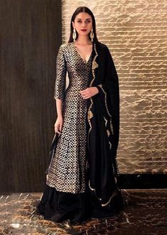 How To Stay Stylishly Warm At Winter Weddings: Outfit Ideas! How To Stay Stylishly Warm At Winter Weddings: Outfit Ideas! How To Stay Stylishly Warm At Winter Weddings: Outfit. Sharara Designs, Lehenga Designs, Kurti Designs Party Wear, Indian Wedding Outfits, Pakistani Outfits, Indian Outfits, Wedding Dress, Winter Wedding Outfits, Outfit Winter