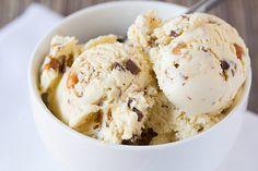 Malted Vanilla Ice Cream with Peanut Brittle & Milk Chocolate Chunks #icecream #recipe