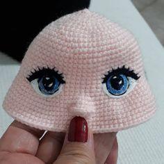 Göz ışığının anlam ve önemine binaen yapılmış bir paylaşımdır. Arka fonda ise Bülent'in poposu görülmektedir 😃😉 Önceki fotoğrafla karşılaştırabilirsiniz 💗 Crochet Parrot, Crochet Eyes, Crochet Dragon, Crochet Dolls, Filet Crochet, Knit Crochet, Hello Kitty Crochet, Doll Eyes, Chrochet