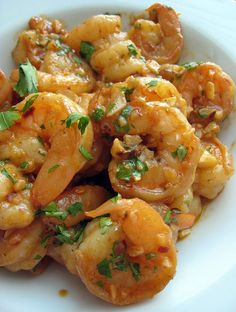 Gambas al Ajillo (sauteed shrimp with garlic) may usually be a staple in Spanish tapas joints, but the same dish is also a popular Filipino bar food (perha Fish Recipes, Seafood Recipes, Asian Recipes, Cooking Recipes, Healthy Recipes, Shrimp Dishes, Fish Dishes, Antipasto, Garlic Shrimp