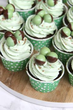Minty & Delicious Chocolate Chip Cupcakes, topped with a Mint Buttercream and Mint Aero Bubbles make seriously yummy Mint Chocolate Cupcakes! I have aaaaalways loved Chocolate,...