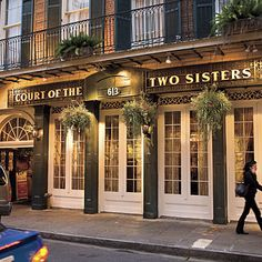 Brunch at the Court of Two Sisters in New Orleans Lousiana! #OnlyLouisiana