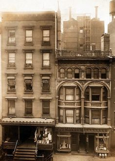 c1911. 40th St, south side, west of Sixth Ave, near Bryant Park. Via NYPL, no photographer credited.