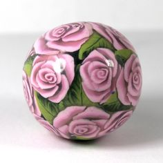 The tutorial for this bead is on my Patreon. The tutorial for how to make is shiny is from Debbie Cother. Polymer Beads, Polymer Clay Pendant, Clay Jewelry, Jewelry Art, Pendants, Tutorials, Create, Flowers, How To Make