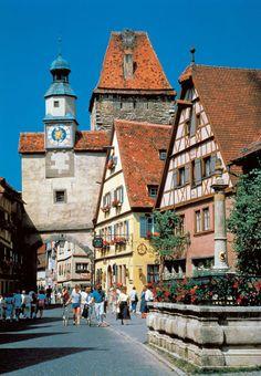 【H.I.S.】【Rothenburg】『中世の宝石箱』と称されるドイツのローテンブルク。ロマンチック街道にあり、まるでおとぎ話にでてくるようなかわいらしい建物に思わずうっとりしてしまいそう♪ #travel