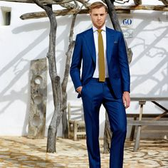 See the HUNTSMAN Spring/Summer 2014 Advertising Campaign at FashionBeans. See the full collection of images photographed by Alex Beer featuring David Frampton & Hugo Woddis & Roger Frampton. Cobalt Blue Suit, Costumes Bleus, Snow White Wedding, Mens Tailor, Blue Costumes, Look Formal, Bleu Royal, Savile Row, Tuxedo For Men