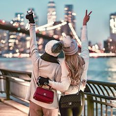 Best friend goals - Pretty best friend matching winter outfits, chanel handbags and bobble hats while exploring the wor - Bff Pics, Bff Pictures, Best Friend Pictures, Friend Photos, Travel Pictures, Cute Bestfriend Pictures, Foto Best Friend, Best Friend Fotos, Best Friend Match