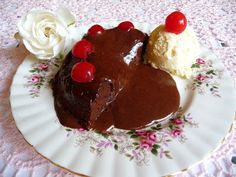 SPLENDID LOW-CARBING BY JENNIFER ELOFF: HAPPY VALENTINE'S DAY - SAY IT WITH CHOCOLATE LAVA CAKE FOR TWO