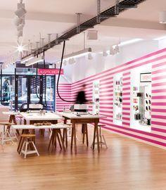 colorful retail design - Buscar con Google